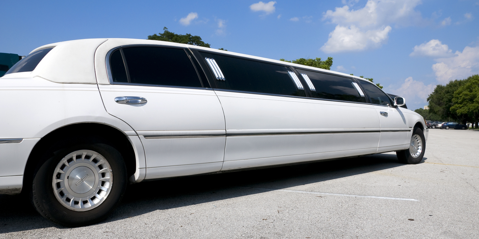 lincoln town car stretchlimo in dortmund nrw mieten. Black Bedroom Furniture Sets. Home Design Ideas