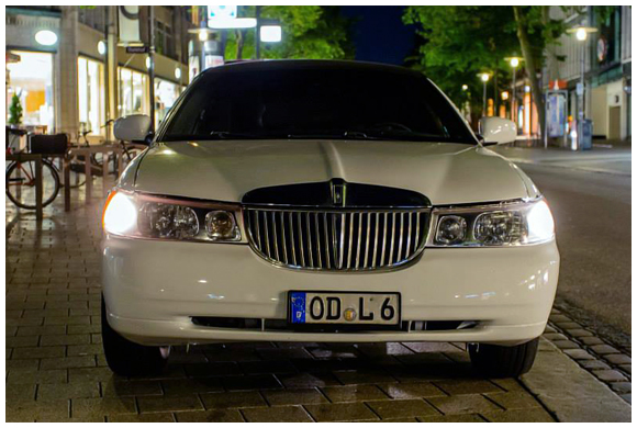 Stretchlimo Hamburg - Lincoln Town Car Stretch Limo