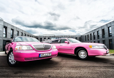 Stretchlimo Stuttgart - Lincoln Town Car (pink)