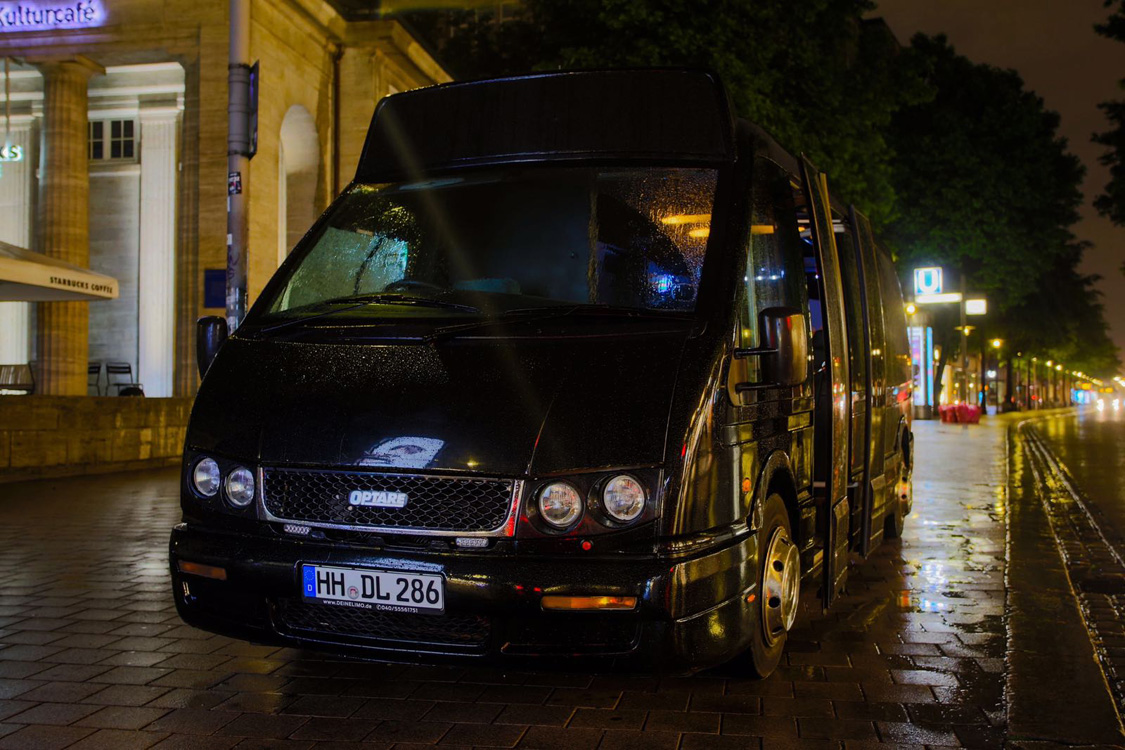 party shuttle bus in hamburg mieten. Black Bedroom Furniture Sets. Home Design Ideas