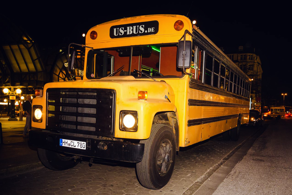 us school bus xxl partybus in hamburg mieten. Black Bedroom Furniture Sets. Home Design Ideas
