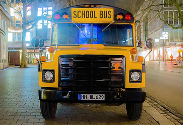 US School Bus in Hamburg mieten - Limostrip.com