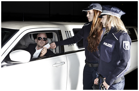 Polizeistrip - Stripperin Stretchlimousine
