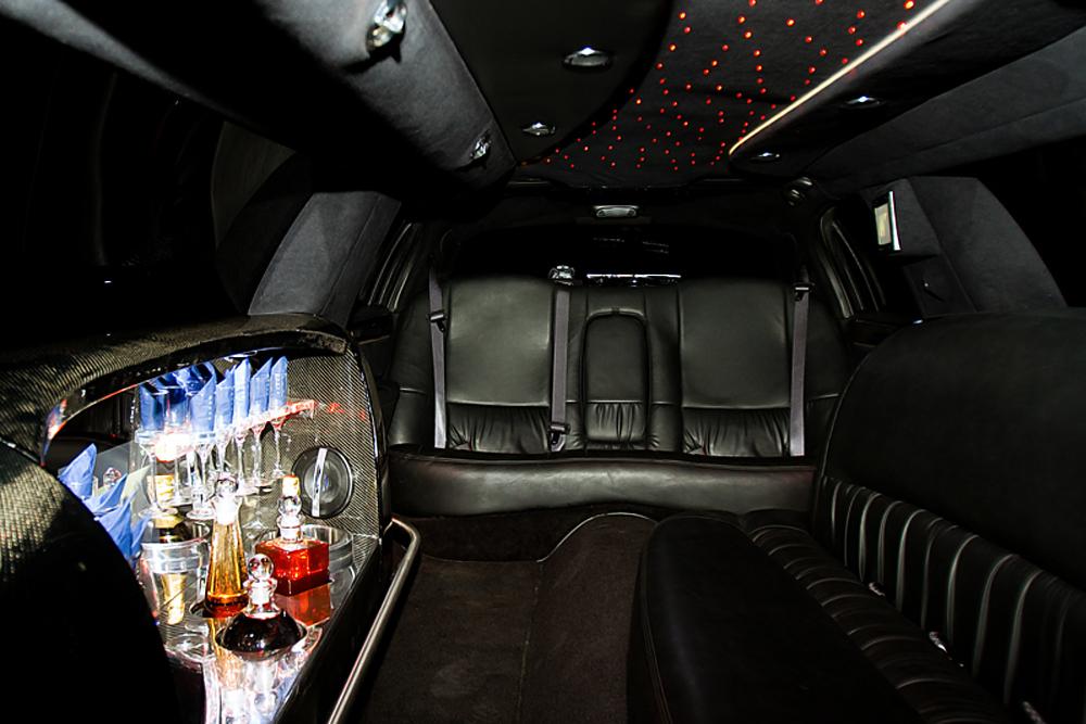 lincoln town car stretchlimo in dortmund nrw mieten. Black Bedroom Furniture Sets. Home Design Ideas