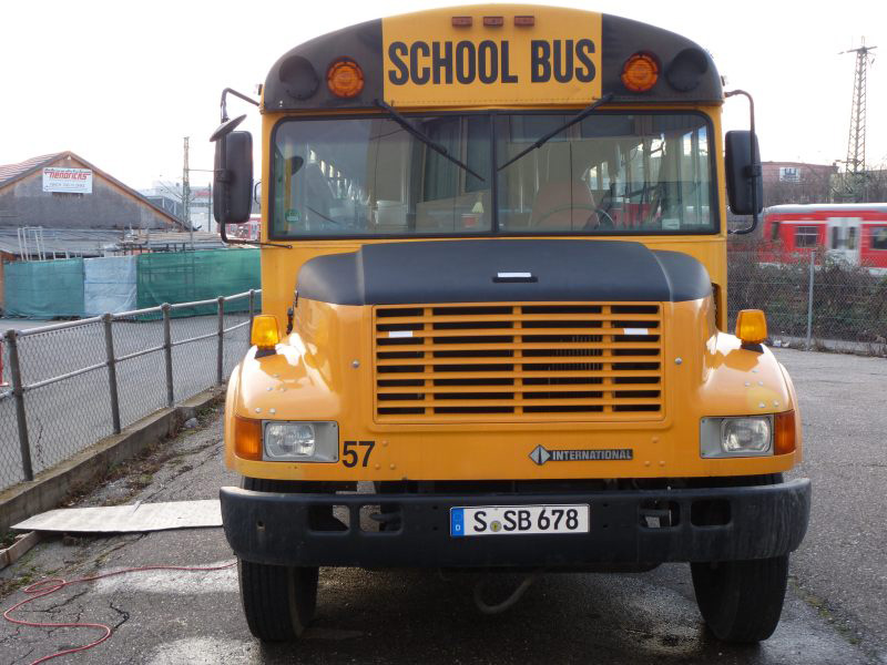 us school bus in stuttgart mieten. Black Bedroom Furniture Sets. Home Design Ideas